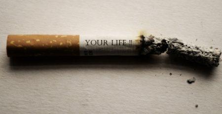 cestnej fajčenie